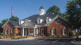 exterior photo of the Ashburn branch location
